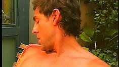 Italian sugary broken-wrist spills huge load of cum on dude's shoulder