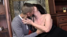 Granny picks up a young man to suck some dick and drill her cunt