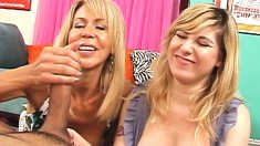 Sexy mom Ericka Lauren teaches Jackie the secrets of a great handjob