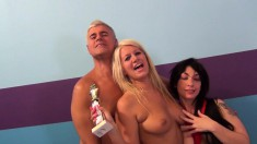 Laela Pryce And Molly Manhattan Getting Hammered Together On The Bed