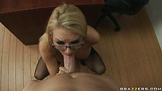 Slutty blonde cougar takes a fat dick in her ass and does ATM