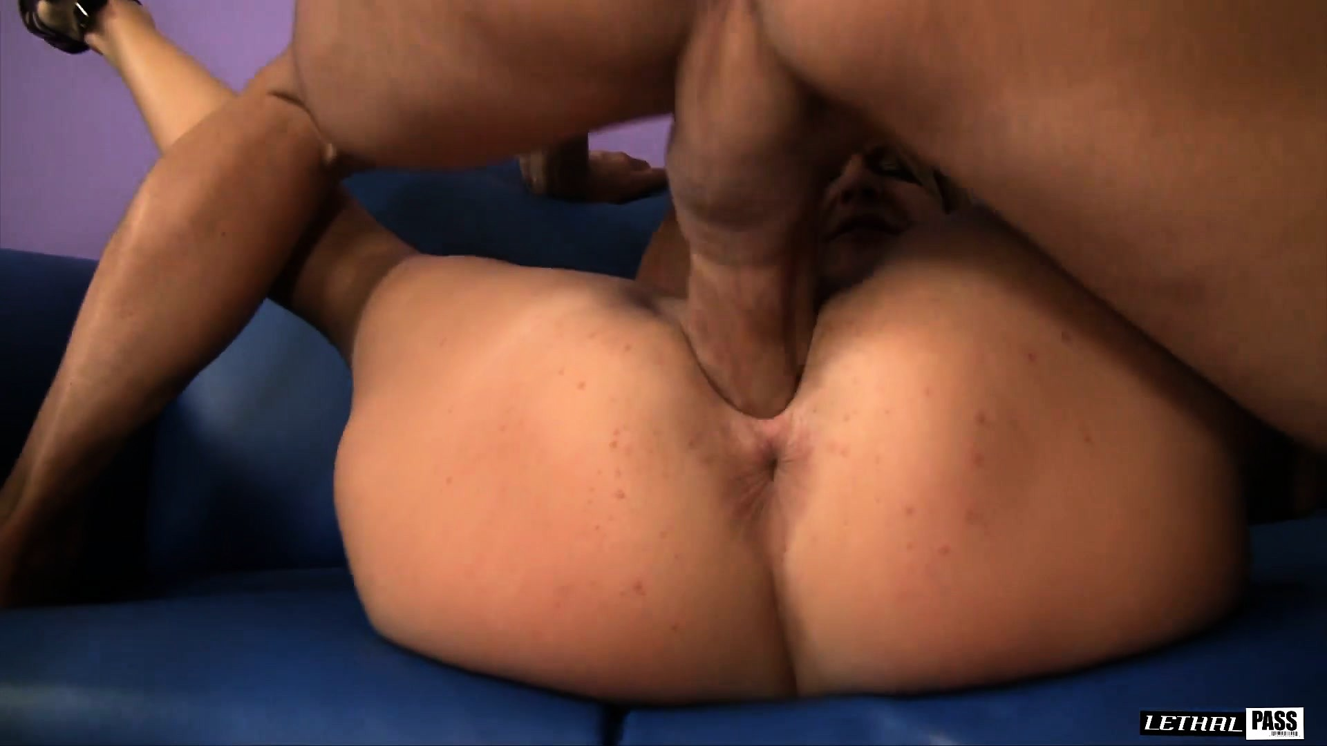 Free Mobile Porn & Sex Videos & Sex Movies - Nella Jay And Robbye Bentley  Are All Over His Throbbing Boner - 408026 - ProPorn.com