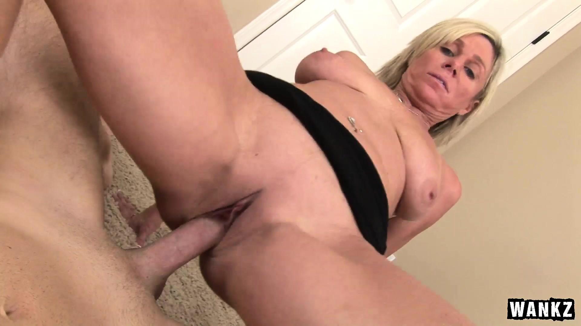 porno-video-mamochek-ot-pervogo-litsa-onlayn
