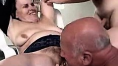 Hawt Granny Threesome