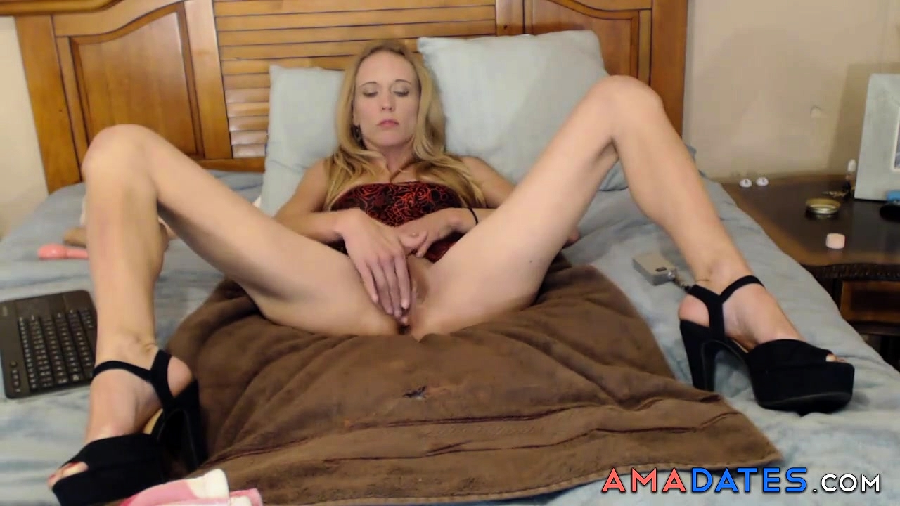 Hot girl crys during anal sex